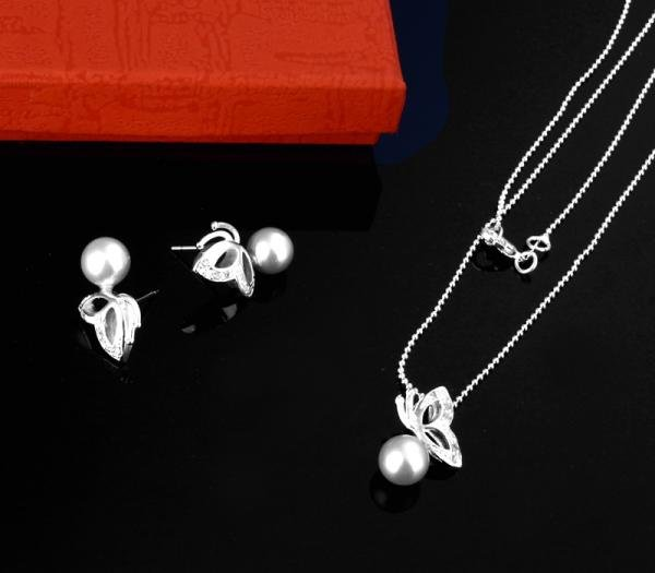 Free Shipping Wholesale Fashion Jewelry Set, 925 sterling Silver Necklace and Earrings Set . Nice Jewelry. Good S15