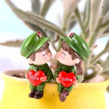 Soldier Lovers Heart Figurines Wedding Doll Ornament Miniatures Couple DIY Cake Decor Dollhouse Home Decoration Mini Craft(China)