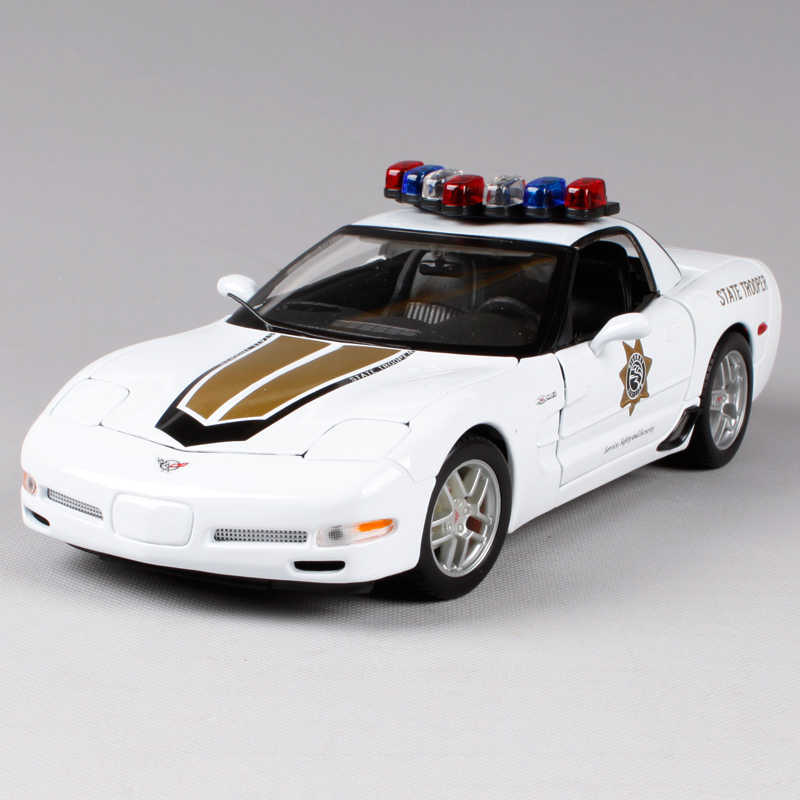 Maisto 1:18 Corvette Z06 Police Car Diecast Model Car Toy New In Box Free Shipping 31383 maisto модель автомобиля 2014 corvette stingray цвет красный
