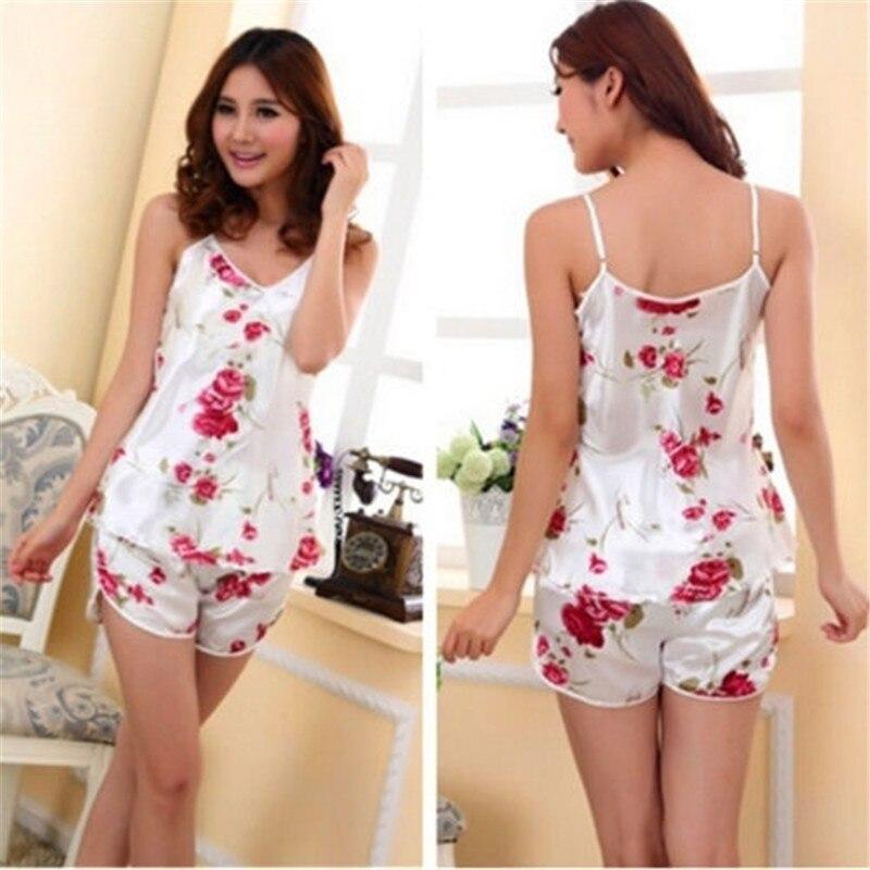 Sexy flor impreso ropa de dormir Correa camisas + Pantalones cortos  conjunto de pijamas para mujeres Casual cómodo Pijamas en Conjuntos de  pijamas de Ropa ... 83d364c33ad34