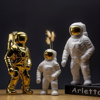 Space Man Astronaut Sculpture Rocket Plane Creative Pattern Of Ceramic Material Cosmonaut Statue Fashion Decorations L2701