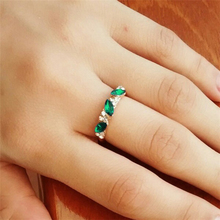 AFJ 2017 Charm Fashion Rings Wholesale Cute Vintage Crystal Ring For Women Fancy Jewelry Retro Feel