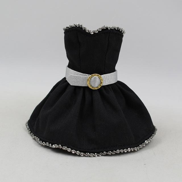 Нео Блитхе лутка црна хаљина сребрни широки појас Златни прстен