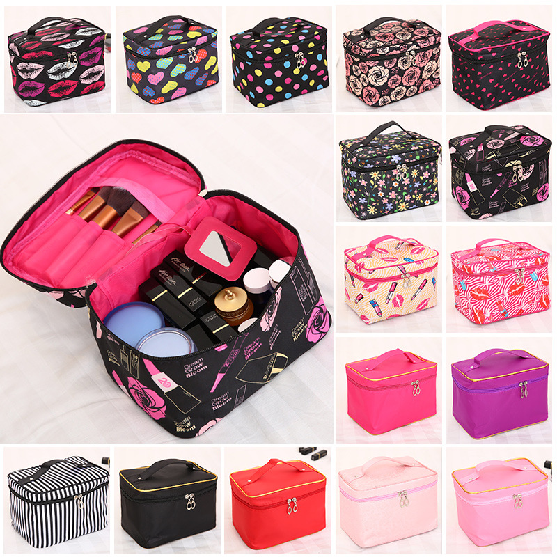 Woman Cosmetic Bags Striped Pattern Organizer Makeup Bag Folding Travel Toiletry Bag Large Capacity Storage Beauty Bag цена 2017