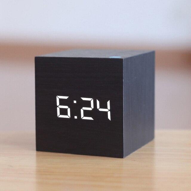 New Qualificato di Legno Digitale LED di Allarme Orologio di Legno Retro Glow Orologio Desktop Da Tavolo Decor Controllo Vocale Funzione Snooze Scrivania Strumenti 1