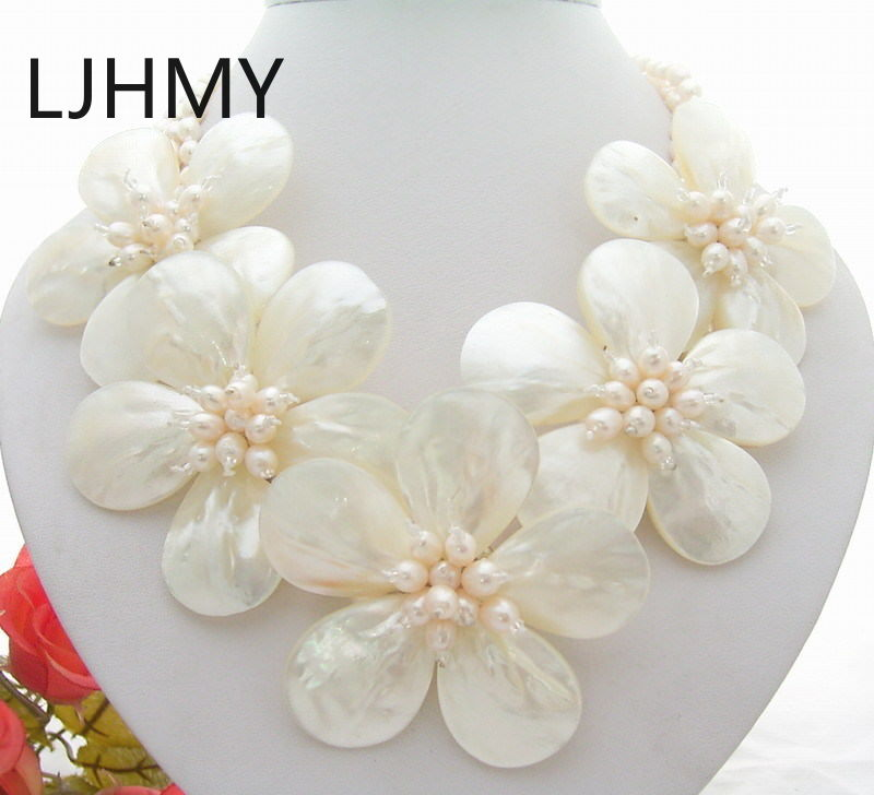 """LJHMY 18"""" 3 Strands White Pearl Shell Flower Statement NecklaceWomen Wedding Party Necklace Gift"""