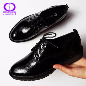 Image 3 - Flats British Style Oxford Shoes Women Spring Soft Leather Oxfords Flat Heel Casual Shoes Lace Up Womens Shoes Retro Brogues