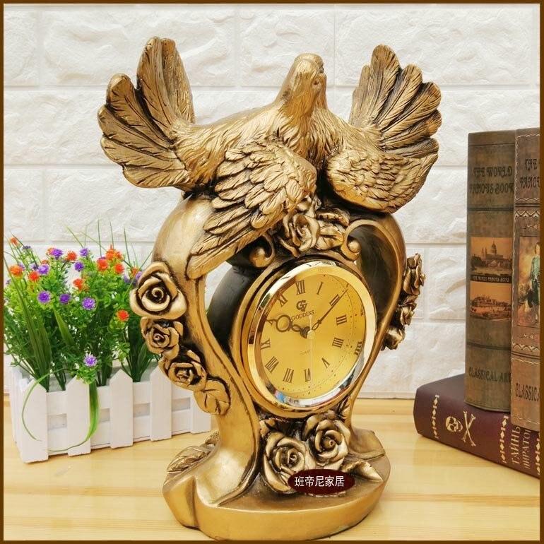 Table Clock Art Seat European Creative Fashion  Silence Living Room Arrang
