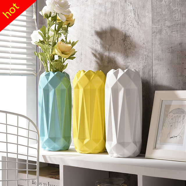 Modern Europe Simple Vase Ornament Creative Ceramic Vase Flower Wedding Decor Fashion Small Ceramic Flower Vase for Home Decors