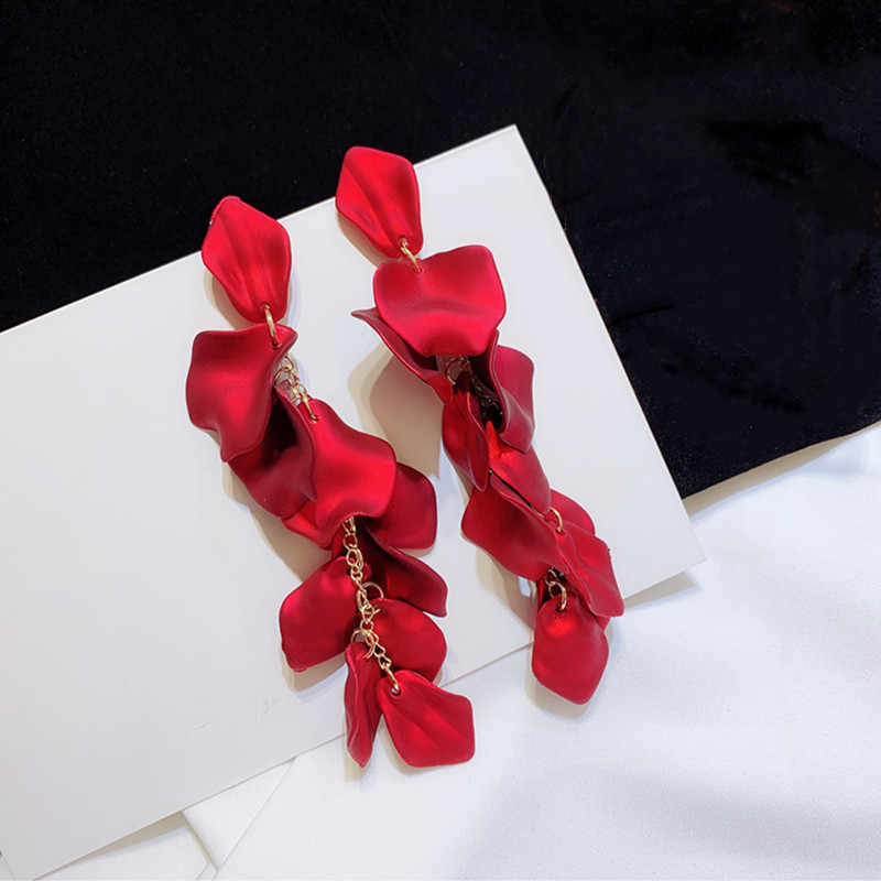 Dominated 2019 new creative metal petals exaggerated temperament long Women Drop earrings Jewelry fashion personality