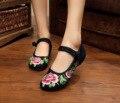 Tamanho grande 41 Primavera/Verão Mulher Velha Pequim Sapatos de Pano Chinês Bordados de Flores Ocasional Apartamentos de Dança Para As Mulheres Zapatos Mujer
