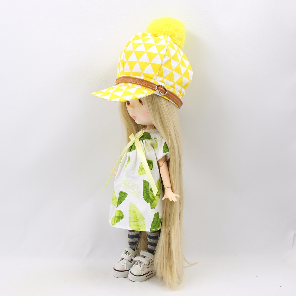 Neo Blythe Doll Green Dress With Hat & Stockings 4
