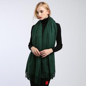 Image 2 - Sciarpe delle donne di alto modo 2018 solido verde viola scialli e involucri della sciarpa poncho mantelle hijab delle donne del cotone caldo di lana sciarpa