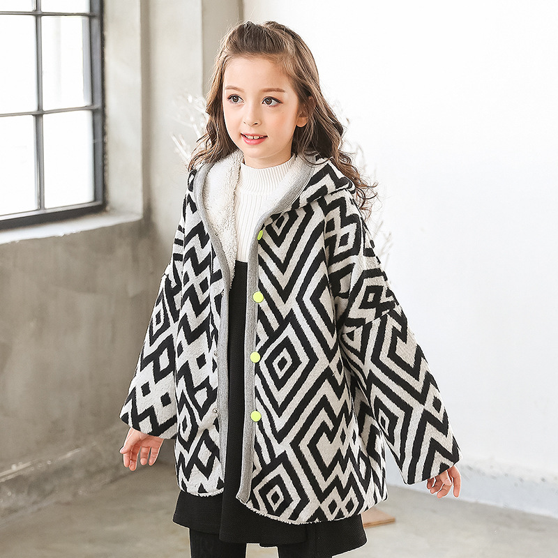 Girls Top Casual Polyester Corduroy Full Regular Hooded Geometric Coat Lamb Korean Children 2017 Winter Cloak New Padded Jacket hot sale open front geometry pattern batwing winter loose cloak coat poncho cape for women