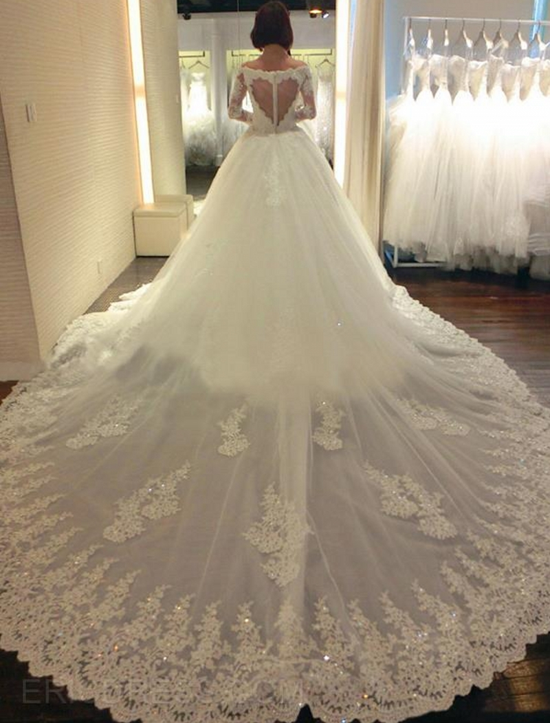 Vintage long sleeve lace wedding dresses cathedral train for Western vintage wedding dresses