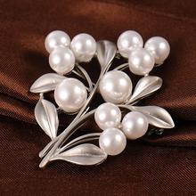 Fashion Jewelry High Quality Vintage Gold Brooch Pins Austria Crystals Imitation Pearl Flower Wedding Accessories