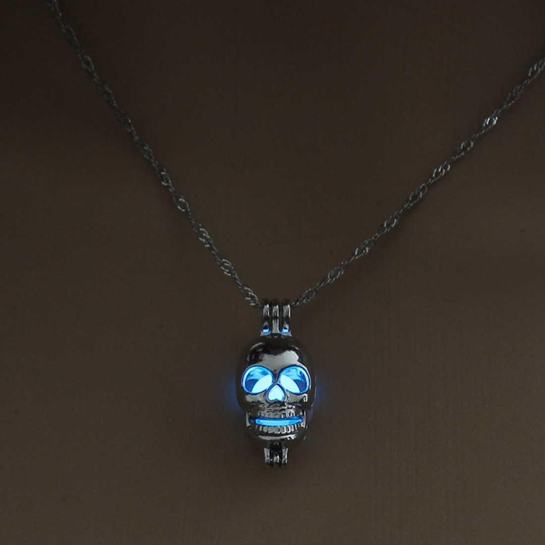 PUNK czaszka wisiorek naszyjnik Luminous biżuteria kolor srebrny łańcuch 45cm świecić w ciemny naszyjnik dla kobiet prezent dla mężczyzny hurtownie 2018