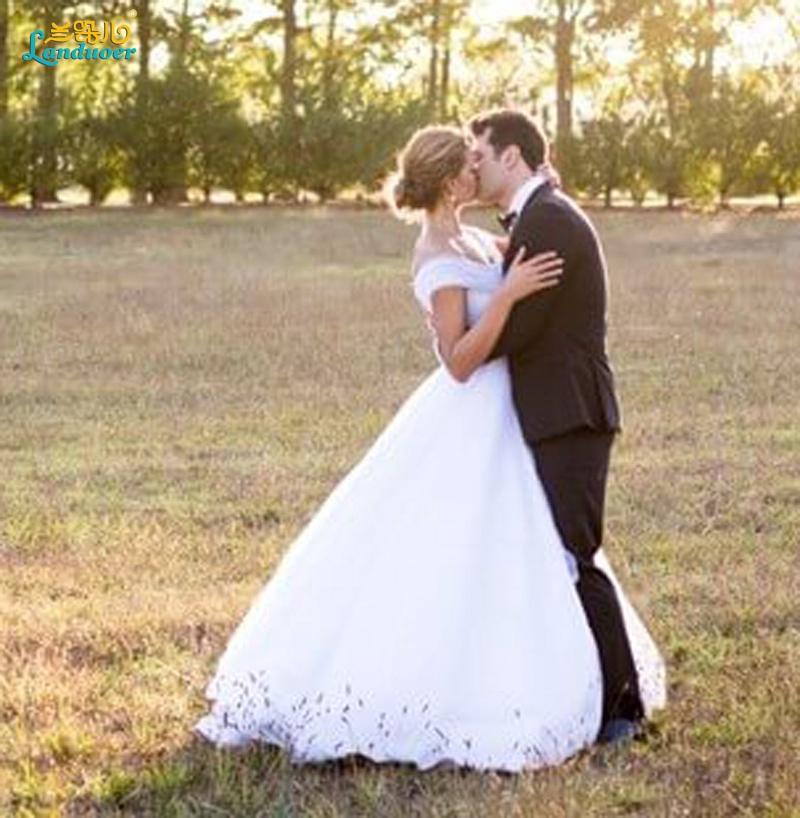 vestidos-de-novia-Long-Wedding-Dress-with-Detachable-A-Line-Skirt-Cap-Sleeve-2-in-15