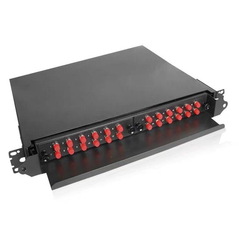 Boîte à bornes à Fiber optique à 36 noyaux remplie de tresses et d'adaptateurs FC/UPC