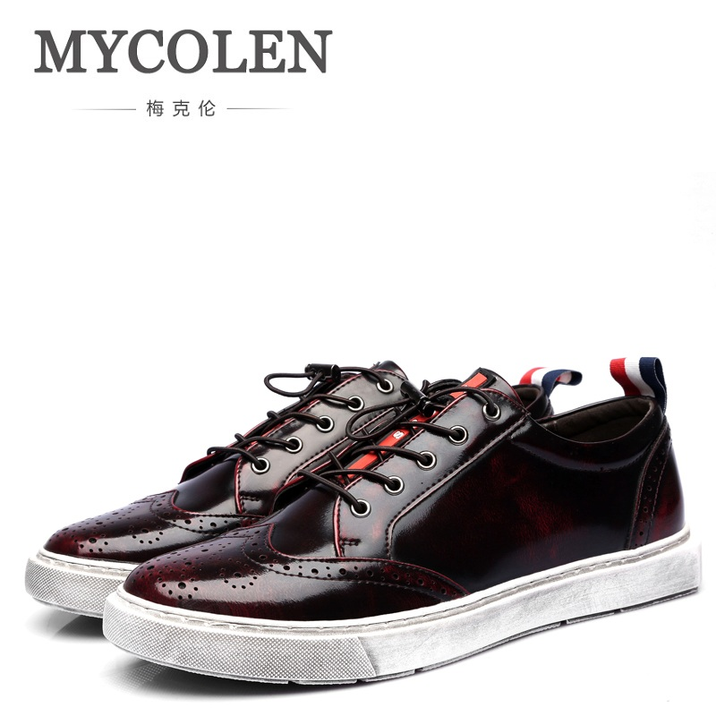 MYCOLEN Retro Casual Men Shoes Bullock Carving Genuine Leather Shoes Man Sneakers High Quality Flat Pant Shoes Man Moccasins