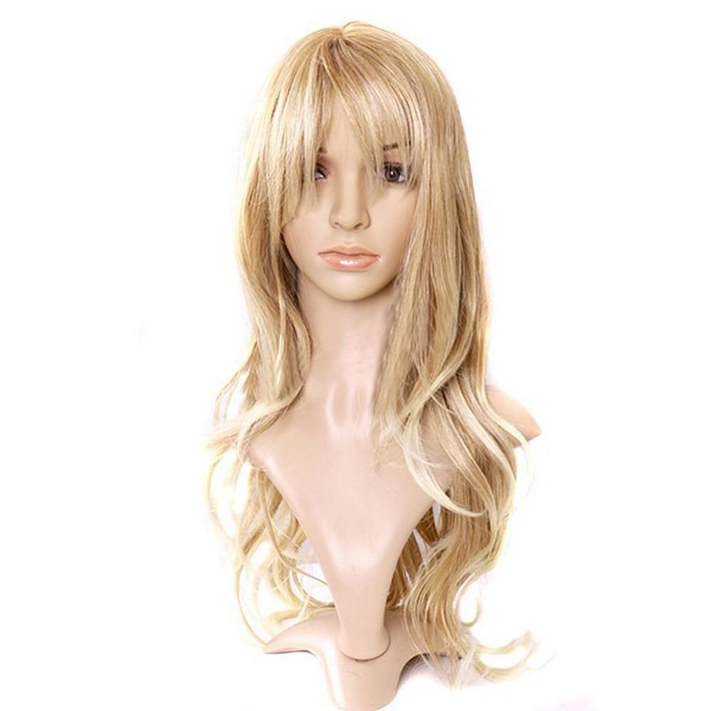 Очаровательная блондинка с потрясающим телом