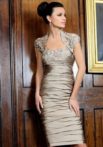 Champagne Appliques Godmother Dresses With Jacket Vestido De Festa Knee  Length Bridal Mum Dress In Stock 46d58ece99b1