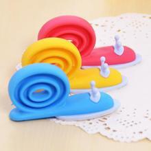 3 Pcs Hot Sell Baby Plastic Safety Door Card Windproof Door Clip Color Children Snail Safety Door Stop