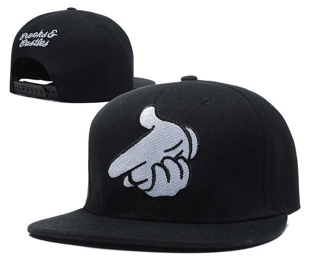 Bordado ajustable manos de moda pistola rayó cadena sombrero Diamond  Snapback hombres mujeres baloncesto gorra de da30dbb0986