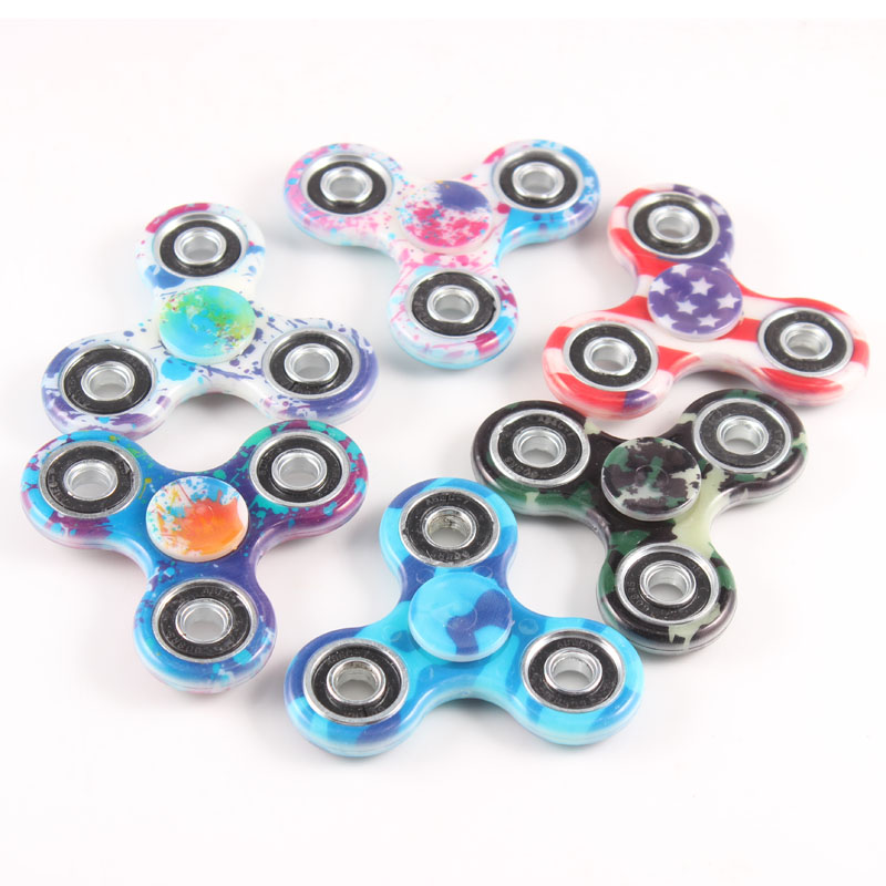 2017 In Stocks New Color Painting EDC Tri Hand Spinner Fidget Plastic Toy Long Time Rotating