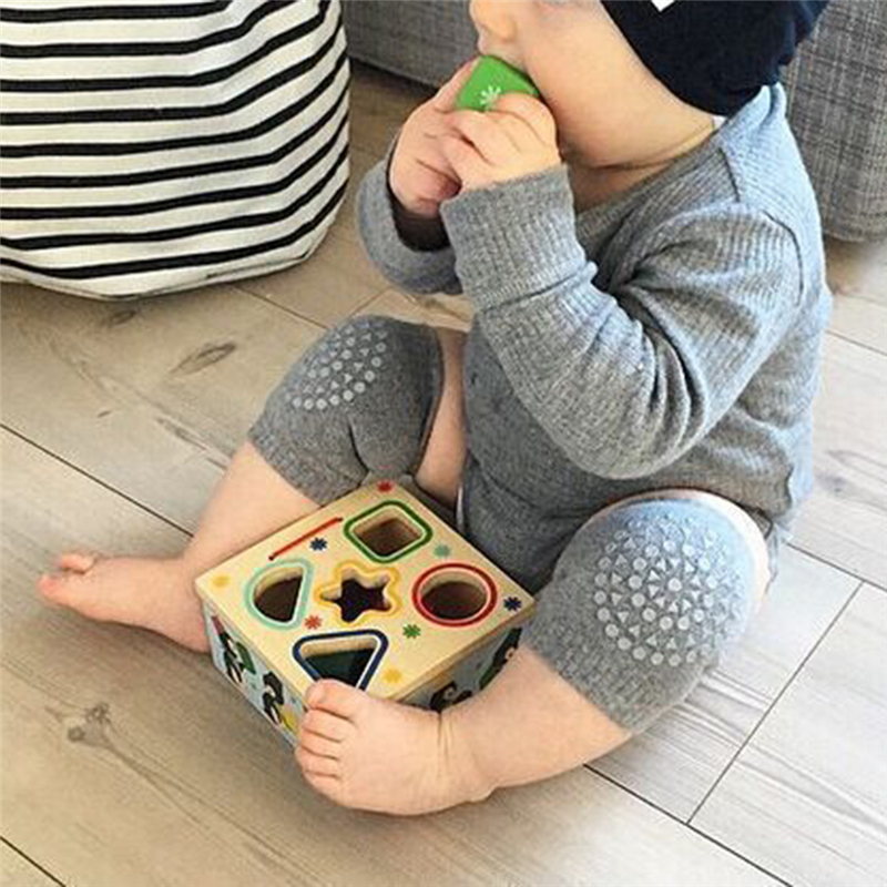 Almofadas bebê Joelho Rastejando Protetor de Algodão Crianças Joelhos Crianças Curta Grils Meninos Dos Desenhos Animados Do Bebê Perna Aquecedores de Moda de Nova bebê wram