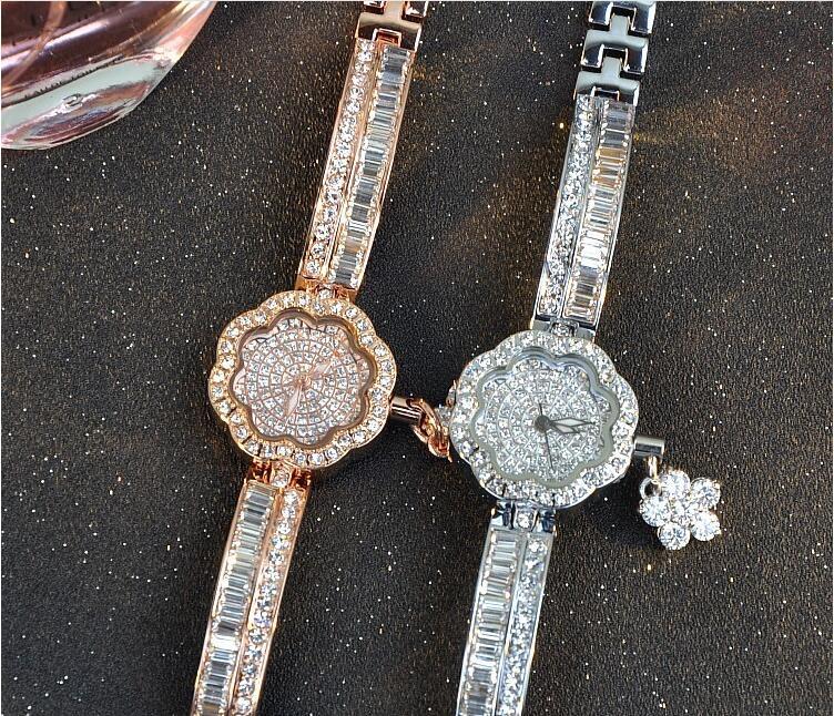 de aço inoxidável relógios de diamantes brilhando