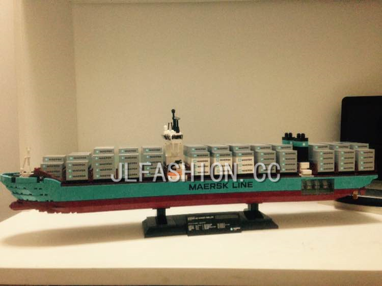 New bricks 22002 Genuine Technic Series The Maersk Cargo Container Ship Set 10241 Building Blocks Bricks Educational Toys lepin 22002 1518pcs the maersk cargo container ship set educational building blocks bricks model toys compatible legoed 10241