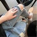 2017 Hot Venda Nova Moda Feminina Casual Azul Meados de Cintura calças de Brim rasgadas Buraco Na Altura Do Joelho Magro Calças Lápis Denim Jeans Rasgado MZ568