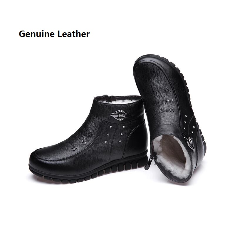 2016 genuine leather female winter shoes flat casual round toe quinquagenarian slip-resistant boots snow boots