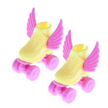 1Pair/2Pcs Roller Skate Fancy Doll Shoes Toys 3cm Kids Toy for Girls Decorative Play House Accessories