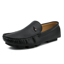 Men Loafers Moccasins Peas Shoes  Flats Breathable Slip on Black Driving Male White Sneakers Soft British Business Shoes