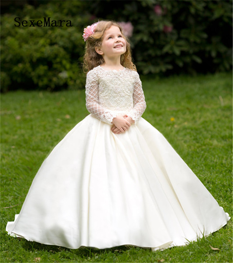 White Ivory New Arrival Long Sleeves Flower Girls Dresses for Wedding Lace Satin O Neck Girls Communion Dress Birthday GownWhite Ivory New Arrival Long Sleeves Flower Girls Dresses for Wedding Lace Satin O Neck Girls Communion Dress Birthday Gown
