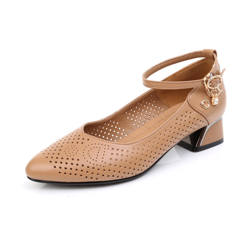 New Hollow First Layer Cowhide Leather Shoes Woman Fashion Shoes Thick with Low heel Shoe 2019