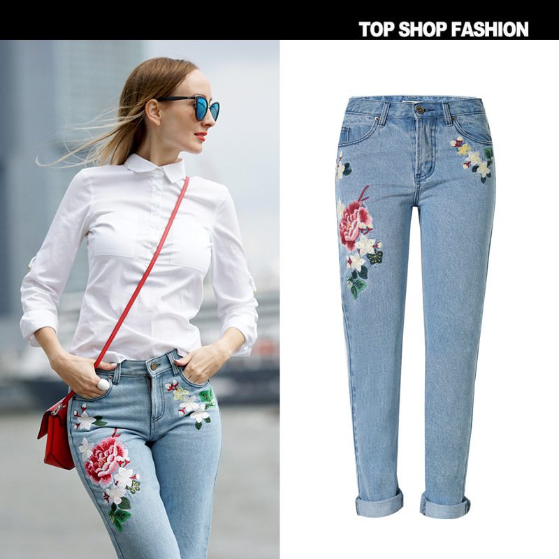 ФОТО New 2017 Autumn Winter 3D Rose Flower Embroidery Design Jeans Woman Light Blue Casual Pants Pockets Straight Jeans For Women