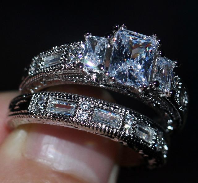 Victoria Princesa Corte de Jóias Vintage Três Pedras 925 Sterling Silver Topázio Simulado Diamante CZ Anel de Casamento Nupcial Mulheres 5-11