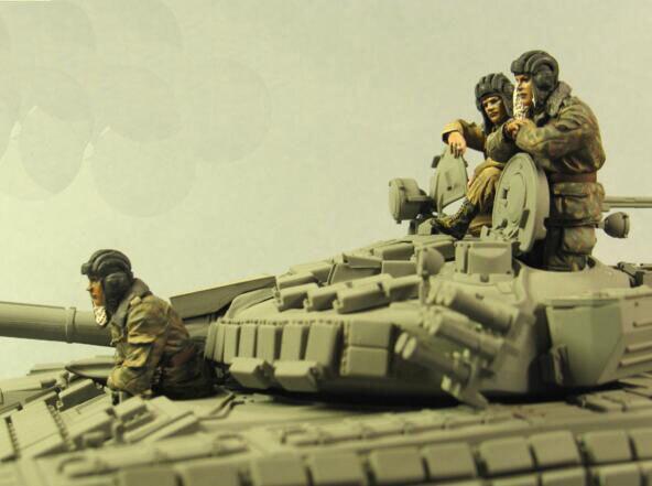 1/35 Resin Figures Red Army Tankman 3pcs/set (no tank) Model Kits1/35 Resin Figures Red Army Tankman 3pcs/set (no tank) Model Kits