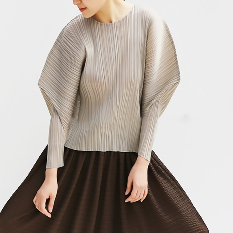 LANMREM 2019 new fashion women clothes round collar batwing sleeves pleated high pullover T shirt female