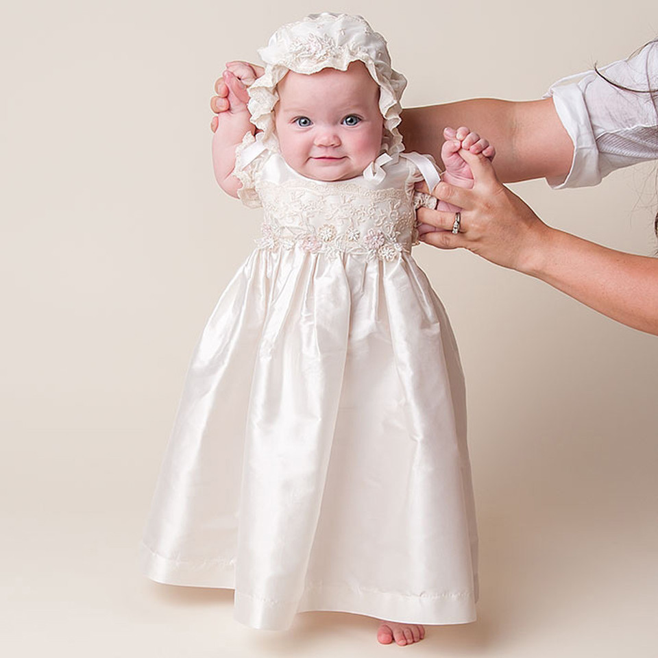 купить New baby infant birthday Baptism dress vestido de festa longo baby girl christening gowns with headband по цене 3705.18 рублей