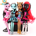 Ucanaan monstr muñecas 4 unids/set draculaura/clawdeen wolf/frankie stein/negro wydowna araña cuerpo móvil girls toys regalo