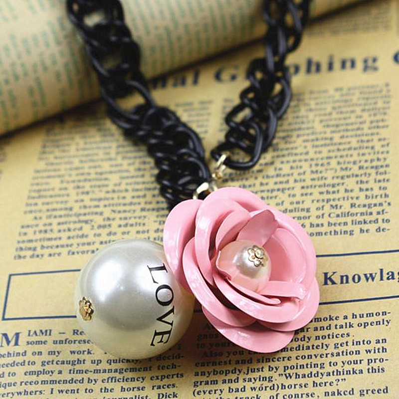 N652 Hyperbole Big Love Pearls Flower Pendant Necklace Women Chokers Necklace Clavicle Collares HOT Sale 2018