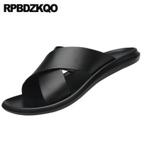 Men Sandals Leather Summer Soft Fashion Water Shoes Beach Waterproof Slip On Casual Black Slides Designer Flat Slippers Outdoor