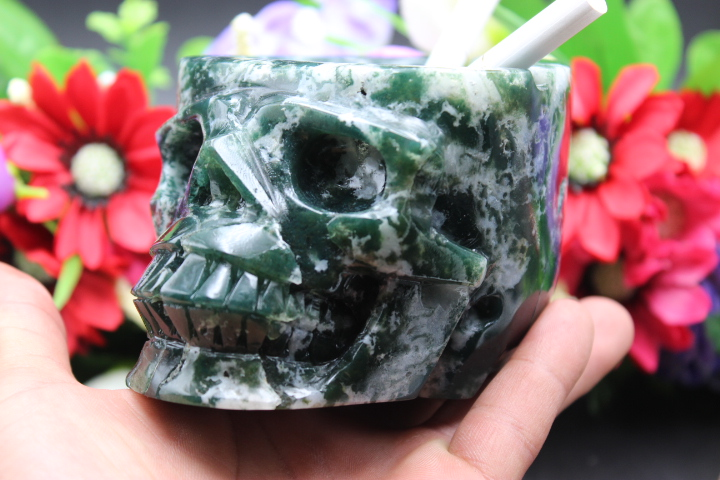 862 grams of natural quartz crystal green jasper skull ashtray healing862 grams of natural quartz crystal green jasper skull ashtray healing