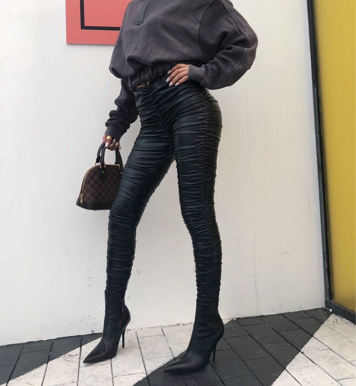 2018 Promotion Faux cuir régulier plissé nouveau pantalon de femme robe de rue plis complets grand élastique Pu cuir pantalon femmes