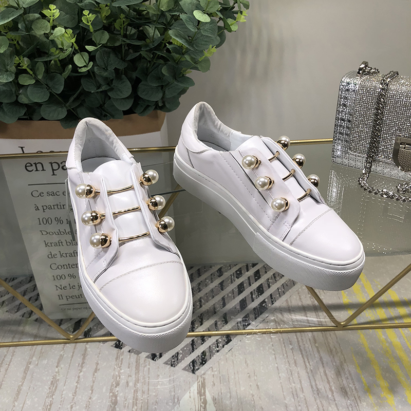 Woman Sneakers Slip On Woman Shoes White Color Pearl Decor Low Top Brand Runway Star Shoes Woman Flats Metal Decor Casual Shoes hot woman flats metal animal decor woman shoes pearl embellished woman loafers bow tie women shoes brand runway super star shoes