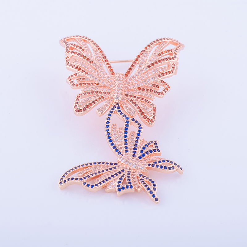 Popular Hot Bijoux Micro Pave CZ Jewelery Two Butterflies Inlaid Red & Blue Zircon Lady Decorated Brooch Broche Schmuck